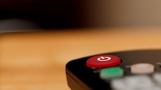 Hubnutí u televize