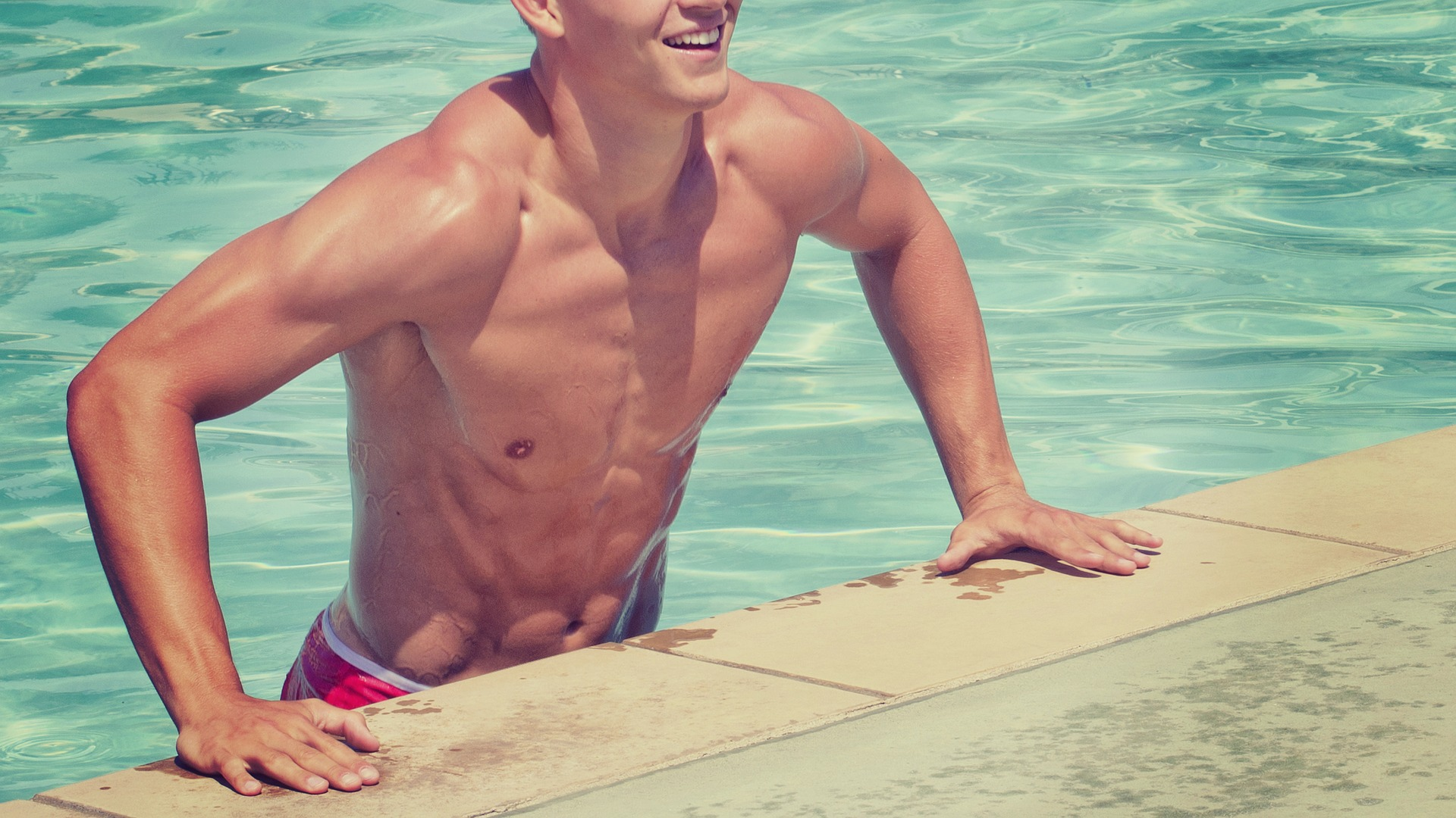 Plavání prospívá našemu tělu