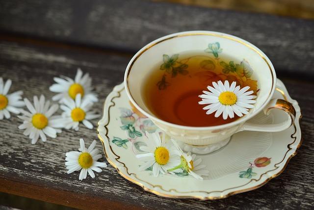 Zahřejte se bylinkovým čajem, který navíc posílí vaši imunitu.